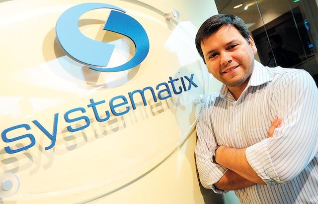 Le Brésilien Daniel Correia s'est déniché un boulot dans les bureaux de la firme Systematix de Québec.