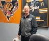 L'architecte des Tigres de Victoriaville Kevin Cloutier, dont l'équipe occupe le sommet du classement de la LHJMQ ex aequo avec les Remparts de Québec, à l'aide d'une fiche parfaite de 4-0.