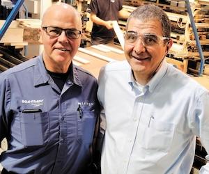 Charles Pilotte, chargé de projets, et Pierre Thabet, propriétaire de Boa-Franc à Saint-Georges, sont des complices de longue date. Ensemble, ils ont vécu plusieurs transformations. Lesproduits de l'entreprise sont aujourd'hui vendus partout en Amérique du Nord.