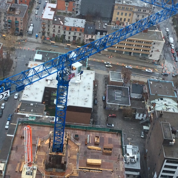 Du haut de la plus haute grue à tour au Québec au CHUM à Montréal. Merci à Alain Desmarais pour la photo.