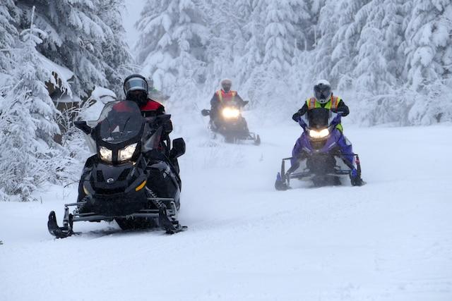 Le Lac-Saint-Jean, destination motoneige, présente de nombreux attraits, dont le premier recherché est l'enneigement.