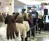 Les soldes du «Vendredi fou» font courir les foules dans les commerces.