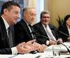 Le nouveau directeur général de la Ville, Luc Monty (à gauche sur la photo), et le maire de Québec, Régis Labeaume, estiment que la nouvelle politique qui change la méthode de calcul des hausses de taxes offre une certitude et une sécurité pour les résidents et les entreprises.