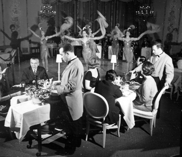 Un cabaret montréalais dans les années 1960. Les clubs proposaient souvent des soirées de type souper-spectacle.
