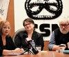 Des représentants des syndicats d'employés de soutien étaient réunis jeudi pour faire diminuer les gestes de violences dans les écoles. Sur la photo, Isabelle Larouche (à gauche), présidente du syndicat des employés de soutien des Découvreurs, Annie Charland, présidente du secteur scolaire de la Fédération des employés de services publics et Yves Fortin, secrétaire général du Conseil central de Québec, Chaudière Appalaches CSN.