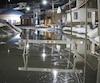 Certaines rues de Beauceville commençaient à être inondées hier en soirée alors que la rivière Chaudière sortait peu à peu de son lit en raison d'un embâcle long de 5 km.