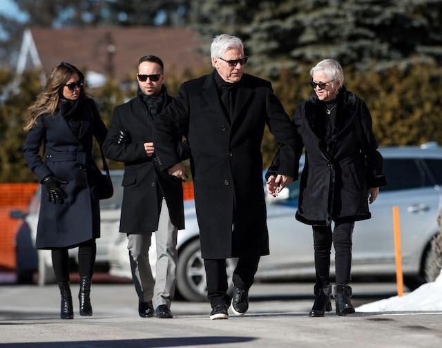 La famille Dion reçoit les condoléances suite au décès de Daniel Dion, le frère de Céline Dion, au Salon Charles Rajotte, à Repentigny, samedi 23 janvier 2016. JOEL LEMAY/AGENCE QMI