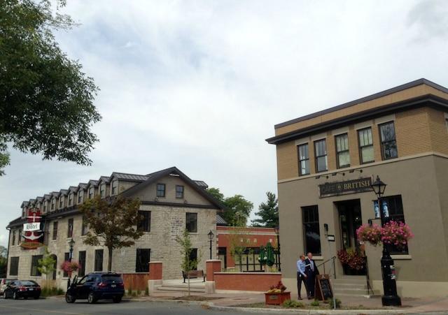 Le British Hôtel et le café British