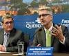 Le maire de Québec, Régis Labeaume, et l'ex-député et directeur du Chantier de l'économie sociale, Jean-Martin Aussant.