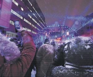 La soirée avait lieu sur la rue Jacques-Parizeau, entre les intersections des rues de la Chevrotière et d'Artigny.