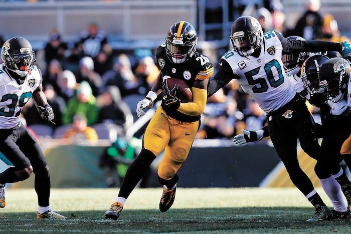 Le'Veon Bell pourrait patienter jusqu'à la semaine10 avant de se rapporter aux Steelers, dans le but que la saison en cours soit comptabilisée sur le plan contractuel.