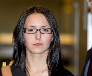 Emma Czornobaj n'a toujours pas commencé à purger sa sentence pour avoir causé la mort d'un père et de sa fille en 2010, en voulant aider des canards sur l'autoroute.