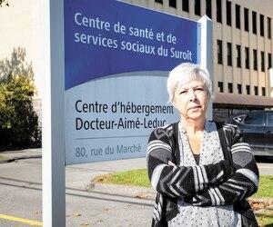 Francine Savoie, la présidente du syndicat local qui représente l'infirmière suspendue, déplore que la direction n'ait pas assuré le nombre suffisant d'employés au CHSLD Docteur-Aimé-Leduc en juillet dernier pour que tous les résidents soient levés.