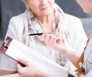 L'an dernier, les gériatres québécois ont touché chacun en moyenne 11250$ pour voir des patients de 85 ans et plus, eux dont le salaire annuel moyen est de 459099$.