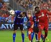 Jozy Altidore vient de frapper de la tête le ballon qui donnera une avance de 2 à 1 au Toronto FC contre l'Impact, dans le match retour de la finale de l'Association Est de la MLS.