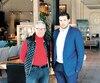 L'actionnaire de contrôle d'Artemano, Bruno Rodi, et le directeur général de la chaîne de meubles, Marc-Antoine Héroux, dans le magasin phare de la marque à Longueuil.