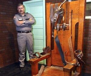 Un am ricain ex cut sur la chaise lectrique jdm - Execution chaise electrique video ...