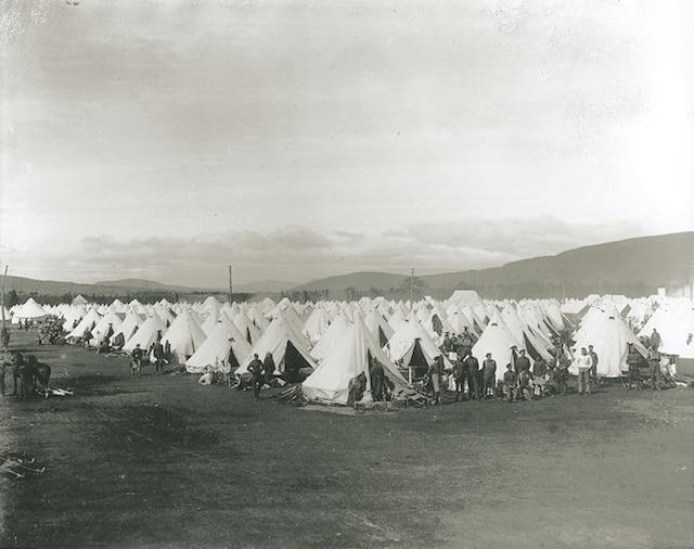 Les débuts de la base militaire de Valcartier.