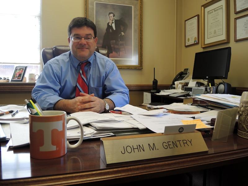<b>John Gentry</b><br /><br>Maire du comté de Mcminn