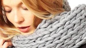 Image principale de l'article Les foulards à grosses mailles