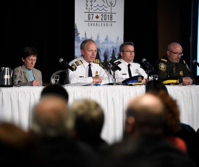 Plusieurs citoyens ont pris part à la soirée d'information sur le G7 organisée à l'hôtel Château Laurier, à Québec.