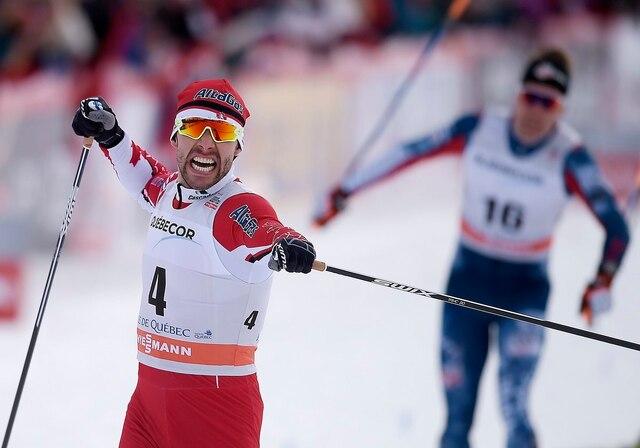 Alex Harvey a attaqué le parcours de Québec le couteau entre les dents. Après avoir pris le 4e rang des qualifications, il a remporté chacune des trois rondes finales.