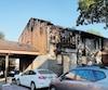 Les résidents ont pu évacuer cette maison jumelée de la rue Léonard, à Sainte-Foy, dimanche soir, alors qu'elle était la proie des flammes.