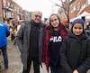 Fatima-Zahra Nahhane et sa soeur Hajar Nahhane, sont venues encourager le Dr Julien.