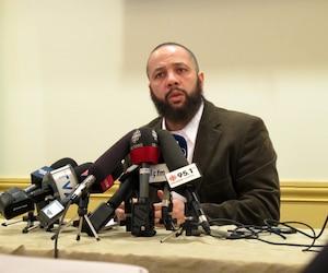 Adil Charkaoui s'en est longuement pris aux médias québécois qui selon lui, ont fait pression sur les directions des collèges Rosemont et Maisonneuve dans leur décision de suspendre les contrats de location de classe pour son centre communautaire.