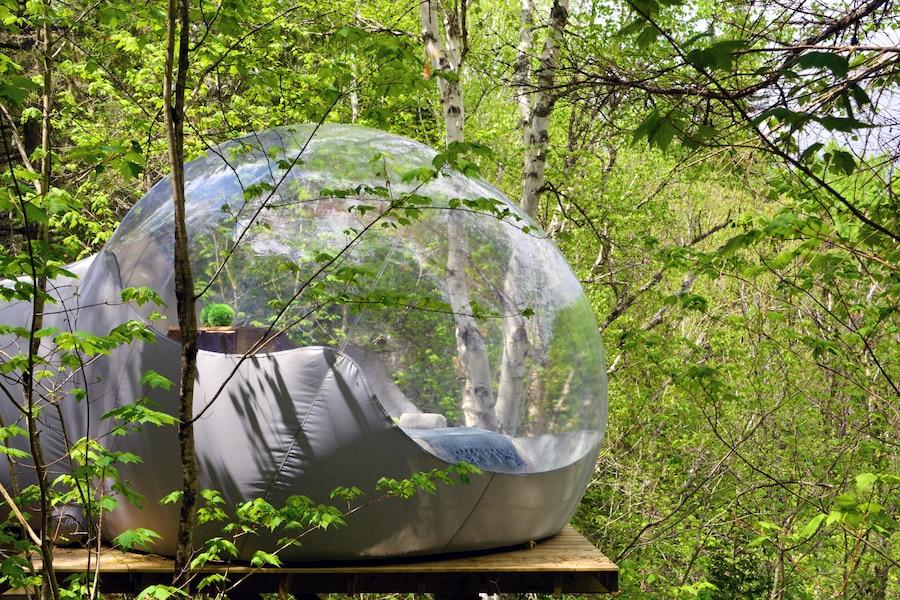 dormir dans une bulle en pleine nature jdm. Black Bedroom Furniture Sets. Home Design Ideas