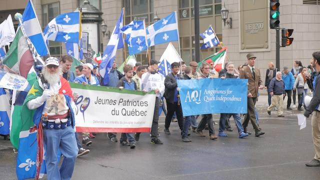 Plusieurs groupes indépendantistes ont participé à la marche dont les Jeunes Patriotes du Québec et les Anglophones pour l'indépendance du Québec.