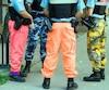 Les policiers de Montréal portent des pantalons de toutes sortes depuis l'été 2014 comme moyen de pression dans le cadre de leurs négociations.