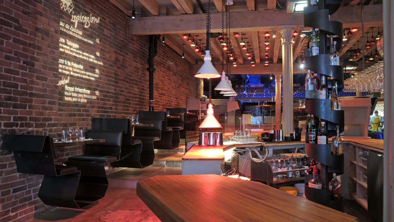 Vieux Port De Montreal Restaurant