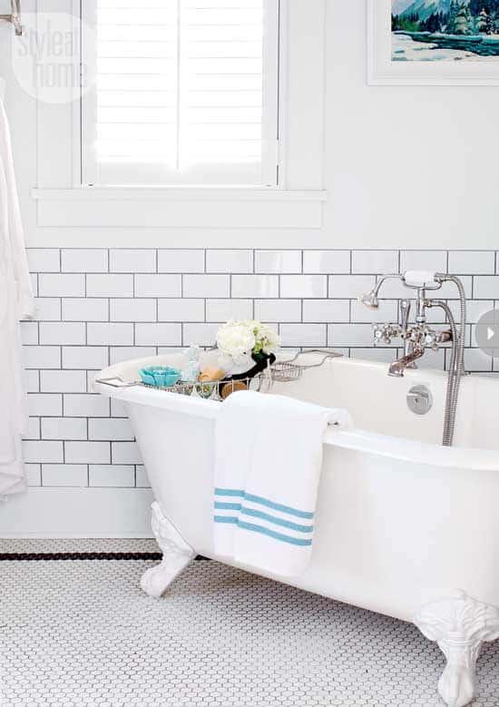 decorating-vintage-bath-tub.jpg