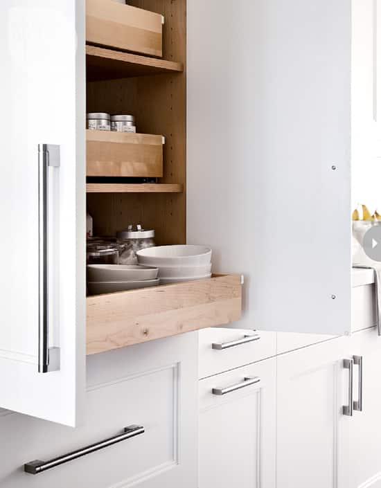 15-kitchens-sliding-shelves.jpg