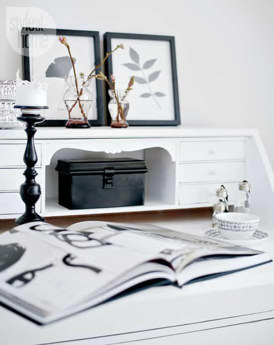 interior-fresh-white-desk.jpg