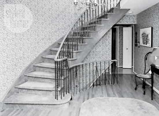interior-city-cottage-stairs-b4.jpg