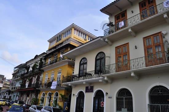 style-dest-panama-town.jpg