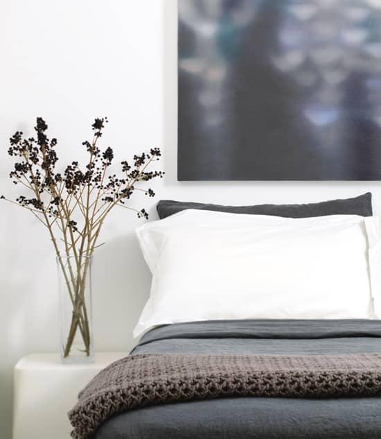 industrial-living-bedroom.jpg