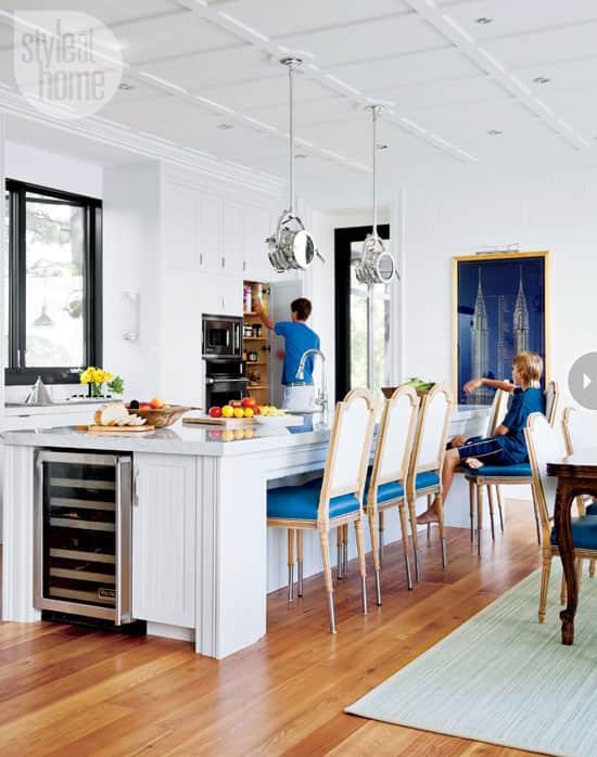 15-kitchens-thatwork-barstools.jpg