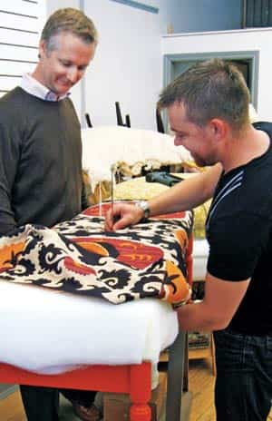 makeover-coffee-table-upholster.jpg