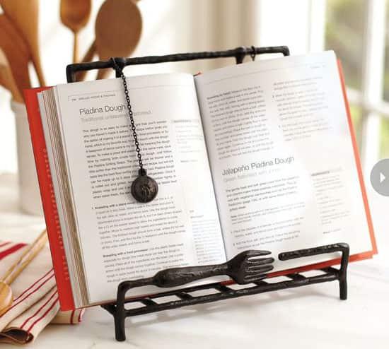 gift-guide-foodies-holder.jpg