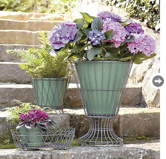 garden-musts-planters1.jpg