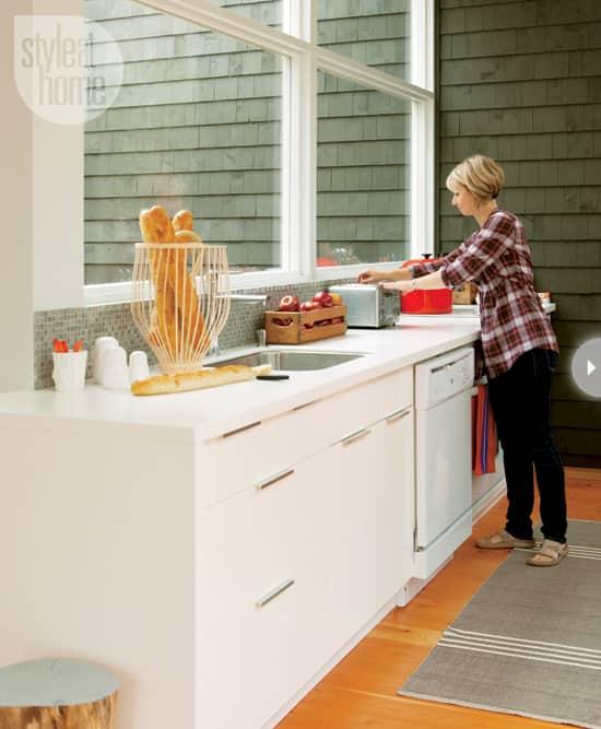 15-kitchens-thatwork-windows.jpg