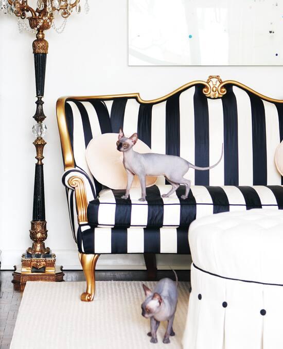 old-hollywood-sofa.jpg