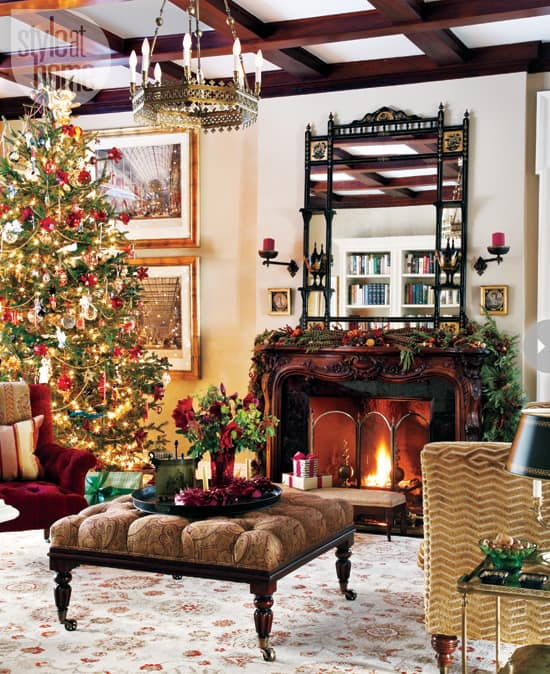 Achristmasstory11-hugetree.jpg