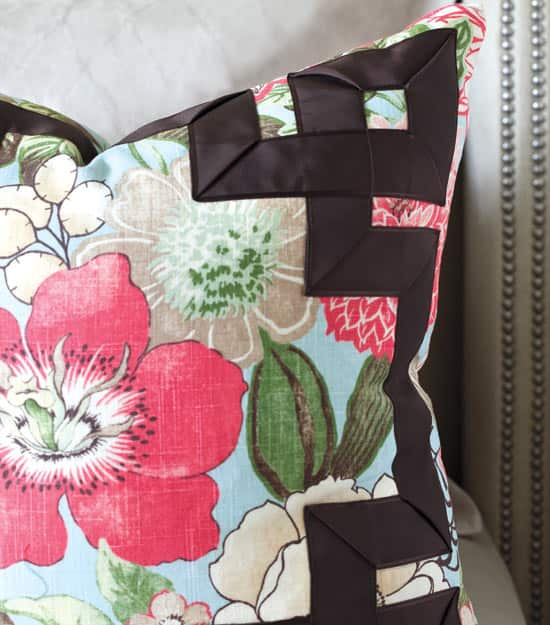 colour-series-green-pillow.jpg