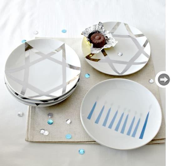 Hanukkah-plates.jpg