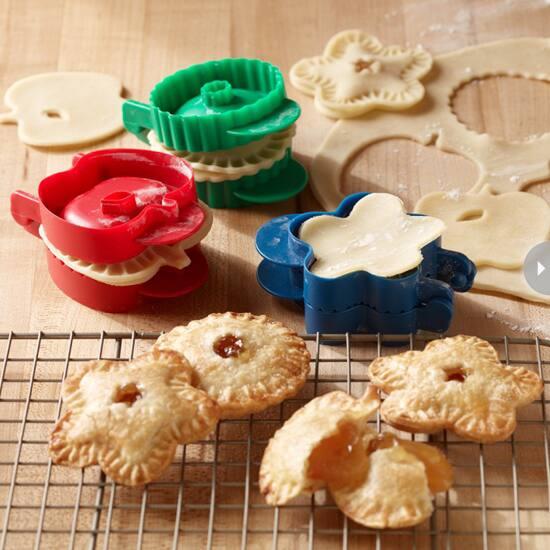 gifts-stocking-stuffer-pie-mold.jpg