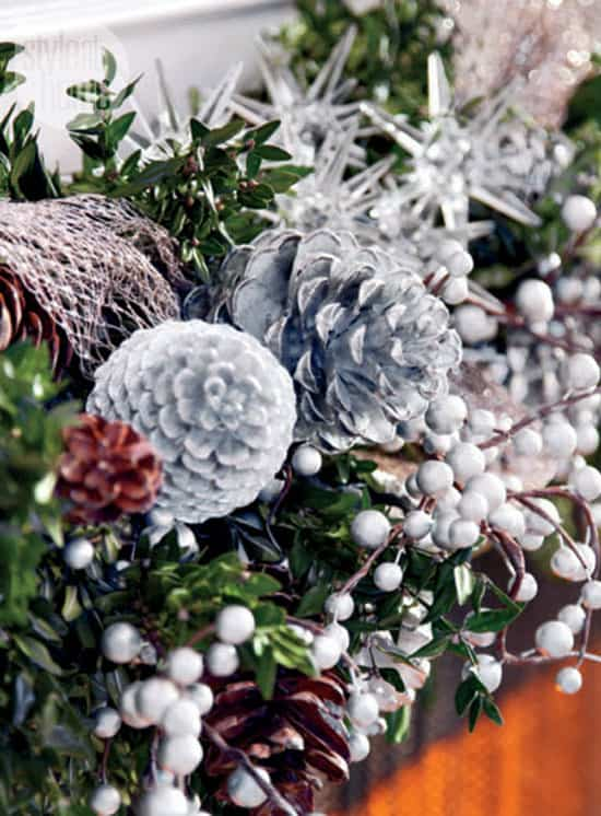 traditionalXmas-fresh-garland.jpg
